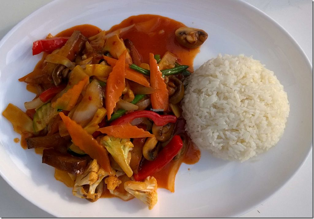 "Photo of Chay Vegan Cuisine  by <a href=""/members/profile/BiancaWitt"">BiancaWitt</a> <br/>Magnolia Wok mit frischem Gemüse und Jasminreis <br/> August 2, 2016  - <a href='/contact/abuse/image/76721/164540'>Report</a>"