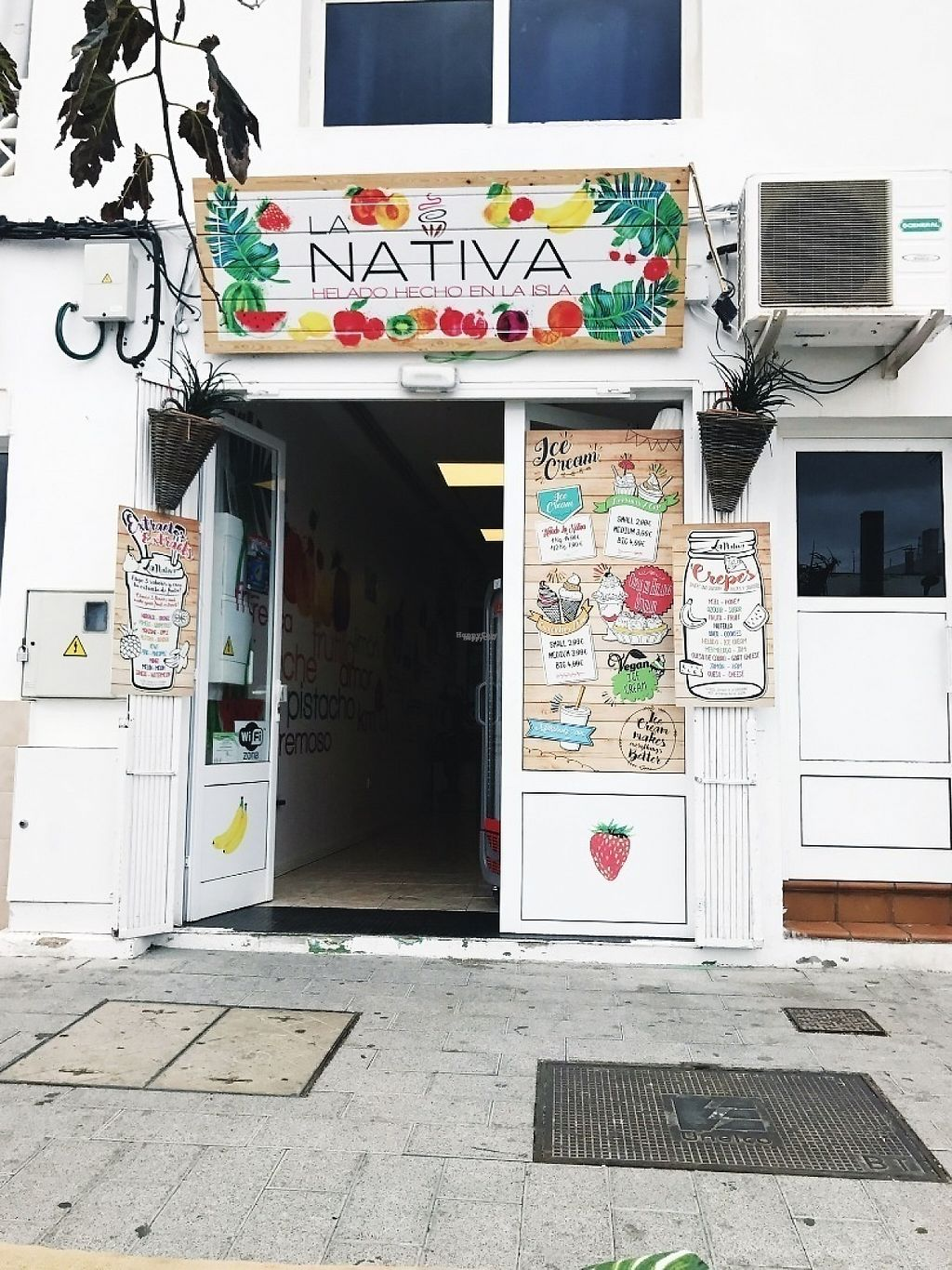"Photo of Heladeria La Nativa  by <a href=""/members/profile/IsabelSalo"">IsabelSalo</a> <br/>Front <br/> April 26, 2017  - <a href='/contact/abuse/image/76790/252704'>Report</a>"