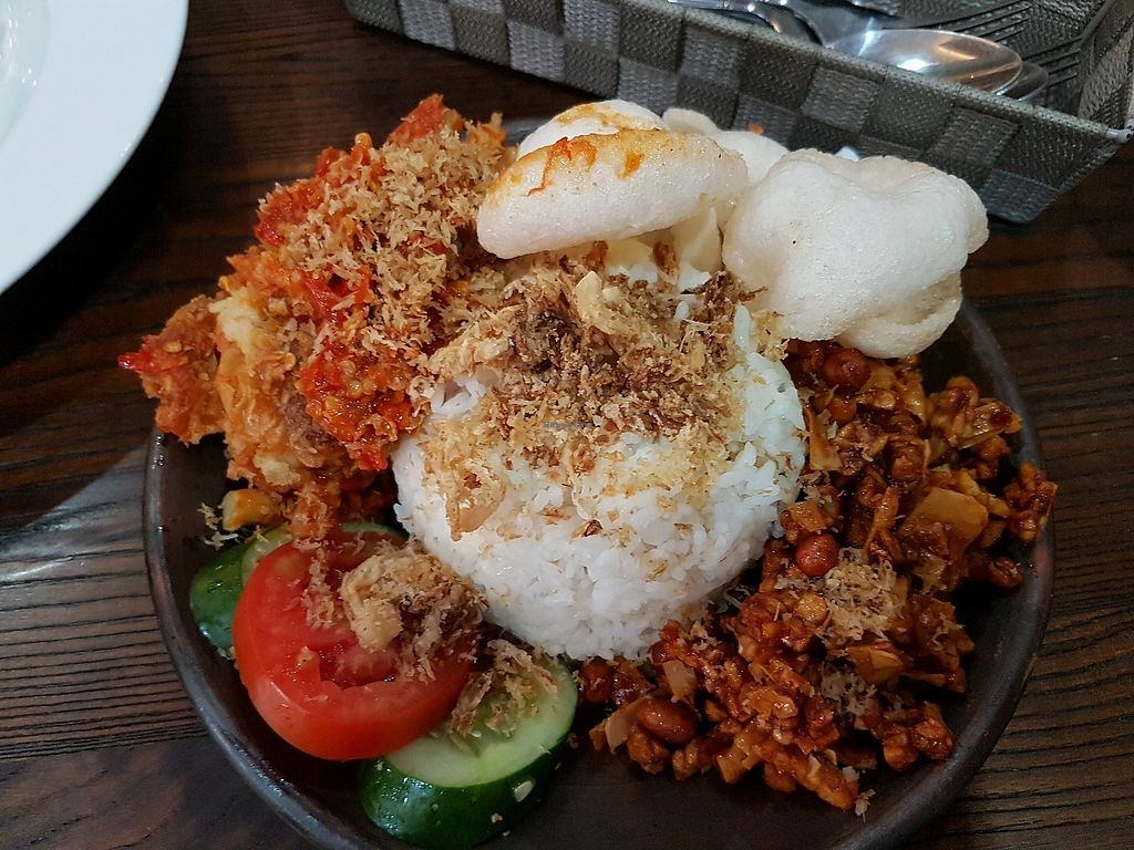 """Photo of LN Fortunate Coffee - Duta Mas  by <a href=""""/members/profile/JulianaTiono"""">JulianaTiono</a> <br/>nasi geprek jamur <br/> January 7, 2018  - <a href='/contact/abuse/image/76809/343855'>Report</a>"""