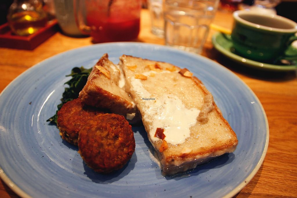 """Photo of Mr. Farmer - Shinjuku  by <a href=""""/members/profile/YukiLim"""">YukiLim</a> <br/>Vegan french toast with tempeh chorizo and sauteed kale <br/> July 17, 2017  - <a href='/contact/abuse/image/76852/281434'>Report</a>"""