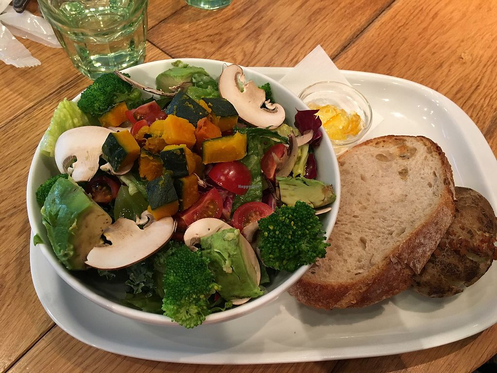 """Photo of Mr. Farmer - Shinjuku  by <a href=""""/members/profile/Siup"""">Siup</a> <br/>Custom salad  <br/> April 11, 2018  - <a href='/contact/abuse/image/76852/383729'>Report</a>"""