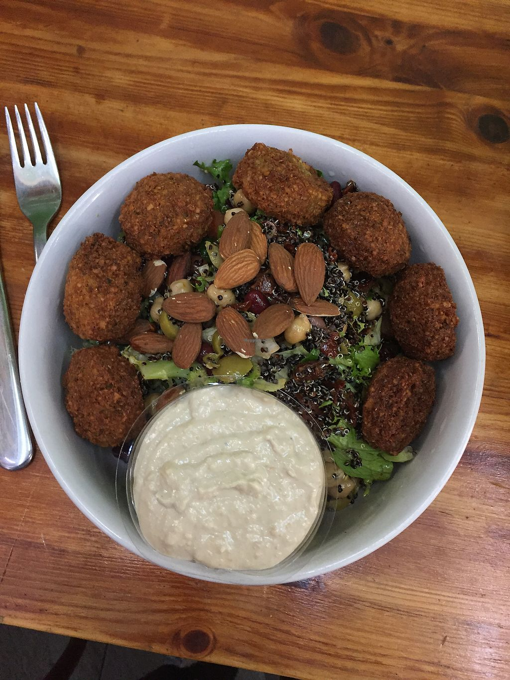 """Photo of Green Smile  by <a href=""""/members/profile/Madeleineg97"""">Madeleineg97</a> <br/>Falafel sallad <br/> September 27, 2017  - <a href='/contact/abuse/image/76901/309043'>Report</a>"""