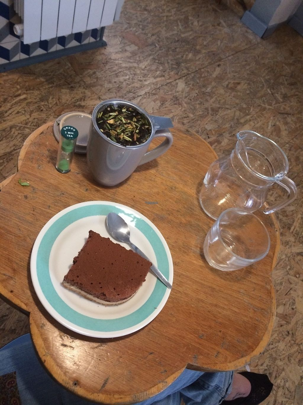 "Photo of La Face B  by <a href=""/members/profile/ConsciousEarthling"">ConsciousEarthling</a> <br/>Speculoos/Chocolate mousse and lemon ginger tea  <br/> April 4, 2017  - <a href='/contact/abuse/image/76902/244759'>Report</a>"