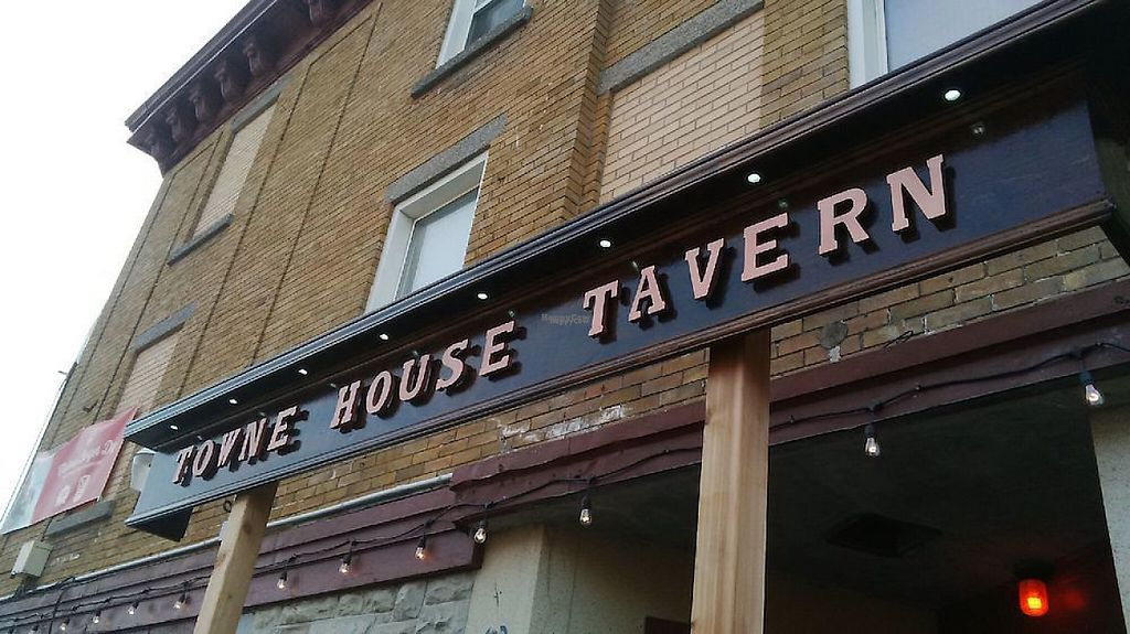 "Photo of The Townehouse Tavern  by <a href=""/members/profile/community4"">community4</a> <br/>Townehouse Tavern <br/> April 24, 2017  - <a href='/contact/abuse/image/76981/251884'>Report</a>"