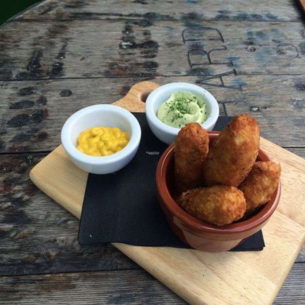 "Photo of CLOSED: Daylight Robbery  by <a href=""/members/profile/Meaks"">Meaks</a> <br/>Tofu chips, served with basil aioli and sweet mustard dip. All vegan <br/> August 1, 2016  - <a href='/contact/abuse/image/77001/164315'>Report</a>"