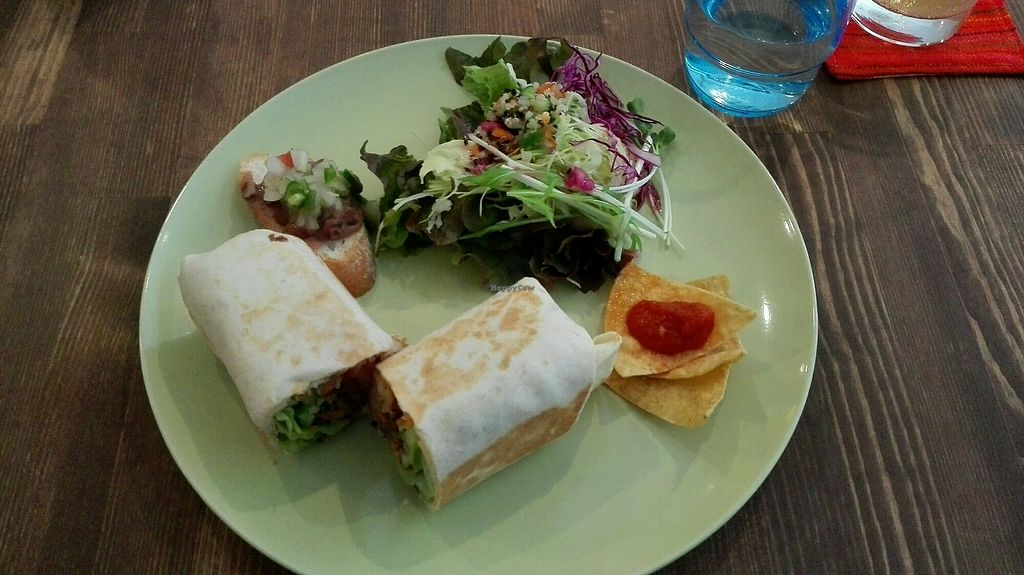 """Photo of La Quinua  by <a href=""""/members/profile/Miykoll"""">Miykoll</a> <br/>vegan burrito (1000 yen)  <br/> January 3, 2018  - <a href='/contact/abuse/image/77018/342377'>Report</a>"""