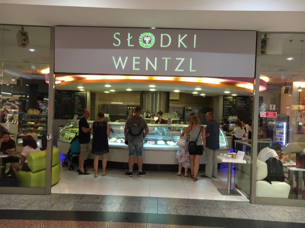 """Photo of Slodki Wentzl - Galeria Krakowska  by <a href=""""/members/profile/hack_man"""">hack_man</a> <br/>outside  <br/> July 25, 2016  - <a href='/contact/abuse/image/77040/162078'>Report</a>"""