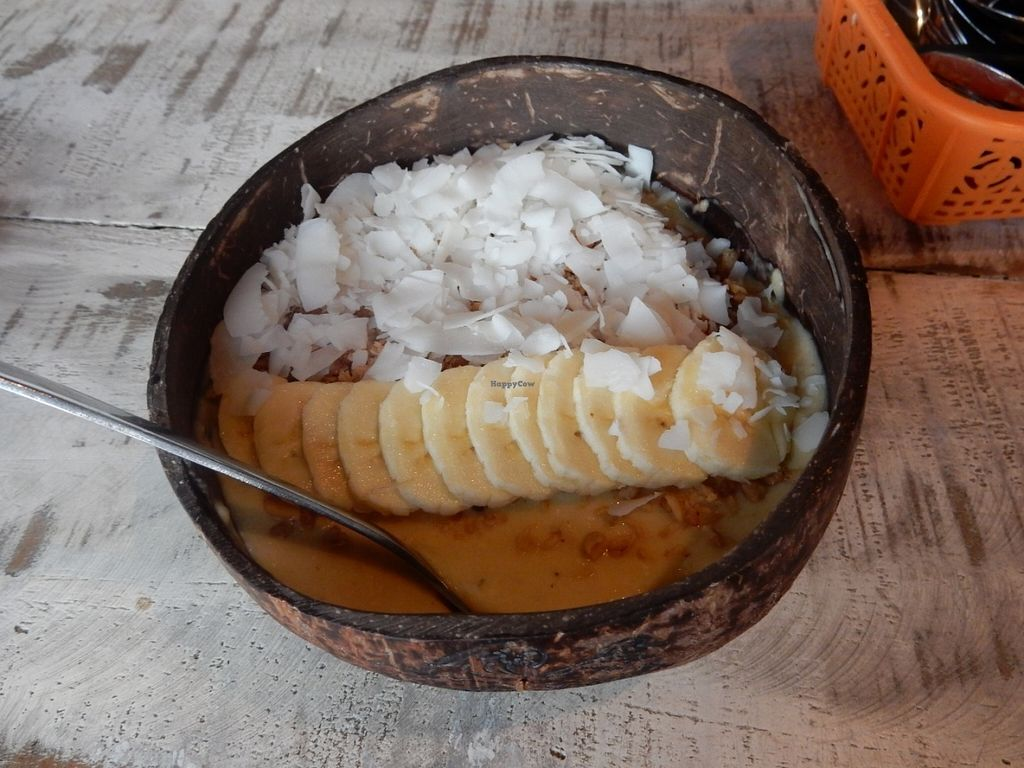 """Photo of CLOSED: Nalu Bowls - Ubud  by <a href=""""/members/profile/LilacHippy"""">LilacHippy</a> <br/>'Pipeline' - Pina Colada bowl <br/> July 26, 2016  - <a href='/contact/abuse/image/77055/162401'>Report</a>"""
