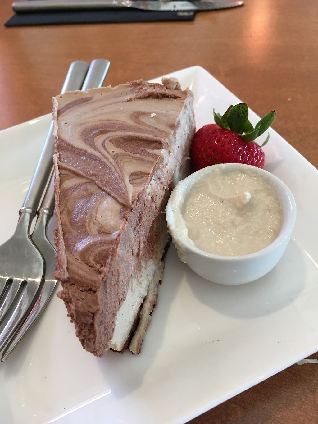 """Photo of Vibrance  by <a href=""""/members/profile/s7345565"""">s7345565</a> <br/>strawberry banana cheesecake with cashew sweet cream <br/> June 30, 2017  - <a href='/contact/abuse/image/77106/275230'>Report</a>"""
