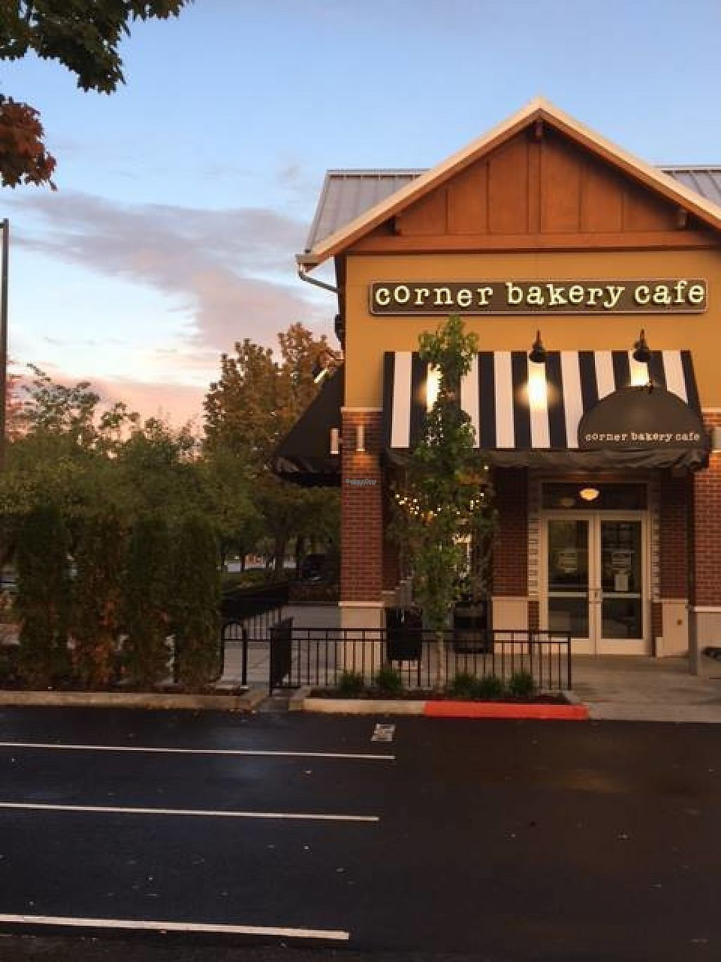 "Photo of Corner Bakery Cafe  by <a href=""/members/profile/community"">community</a> <br/>Corner Bakery Cafe <br/> February 22, 2017  - <a href='/contact/abuse/image/77252/229035'>Report</a>"