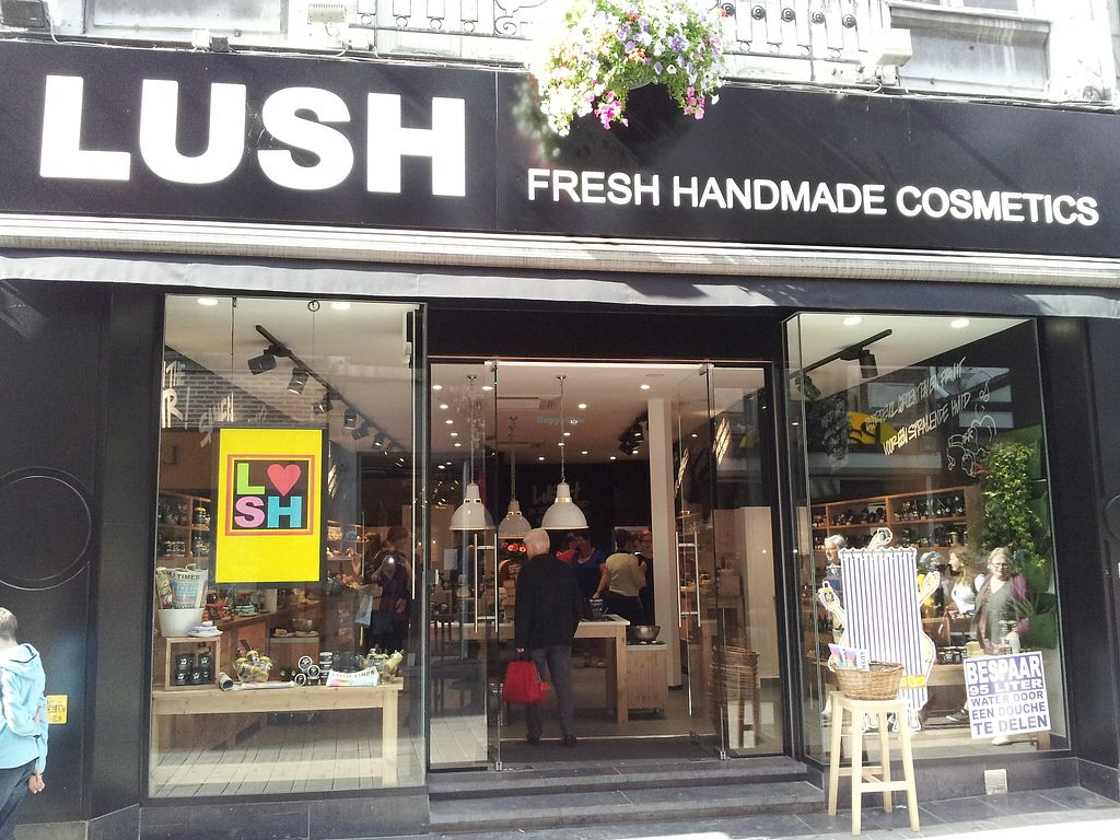 "Photo of Lush  by <a href=""/members/profile/TrudiBruges"">TrudiBruges</a> <br/>Lush Gent <br/> November 28, 2017  - <a href='/contact/abuse/image/77284/330180'>Report</a>"