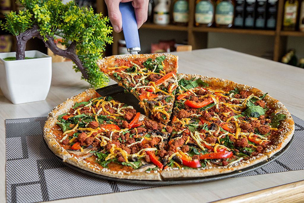 "Photo of Reforma Market  by <a href=""/members/profile/ManuGonz%C3%A1lez"">ManuGonzález</a> <br/>Probé esta pizza vegana y está deliciosa!  <br/> August 10, 2016  - <a href='/contact/abuse/image/77369/167492'>Report</a>"