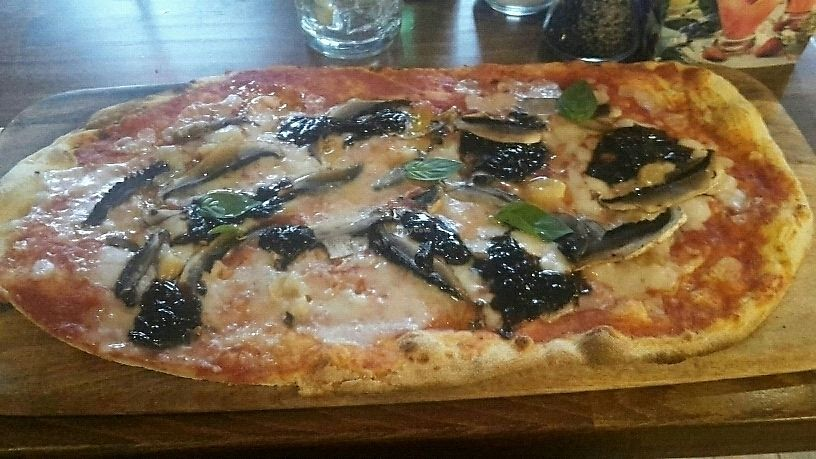 """Photo of Zizzi - Roxburgh Court  by <a href=""""/members/profile/HappyLot"""">HappyLot</a> <br/>vegan pizza with mushrooms and caramelised unions <br/> July 19, 2017  - <a href='/contact/abuse/image/77440/282240'>Report</a>"""