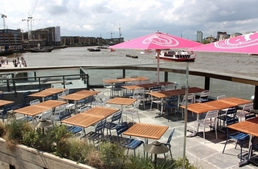 """Photo of Zizzi - Greenwich  by <a href=""""/members/profile/Meaks"""">Meaks</a> <br/>Zizzi - Greenwich <br/> August 17, 2016  - <a href='/contact/abuse/image/77487/169462'>Report</a>"""