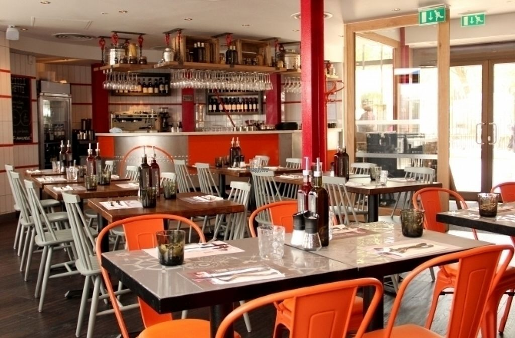 """Photo of Zizzi - Greenwich  by <a href=""""/members/profile/Meaks"""">Meaks</a> <br/>Zizzi - Greenwich <br/> August 17, 2016  - <a href='/contact/abuse/image/77487/169464'>Report</a>"""