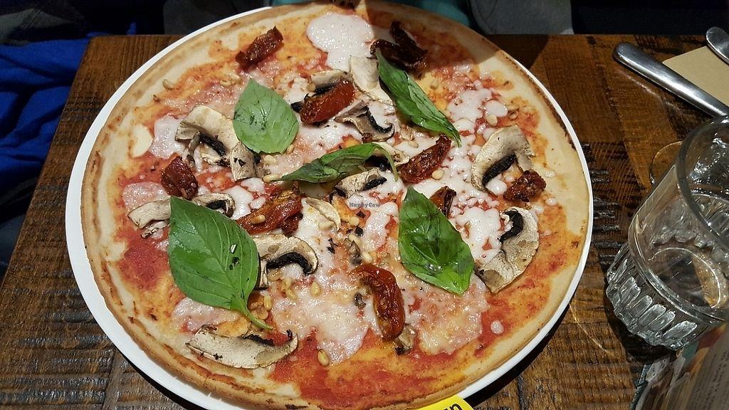 "Photo of Zizzi - Wigmore St  by <a href=""/members/profile/HappyDe"">HappyDe</a> <br/>Vegan gluten free Margarita pizza <br/> June 5, 2017  - <a href='/contact/abuse/image/77508/266104'>Report</a>"