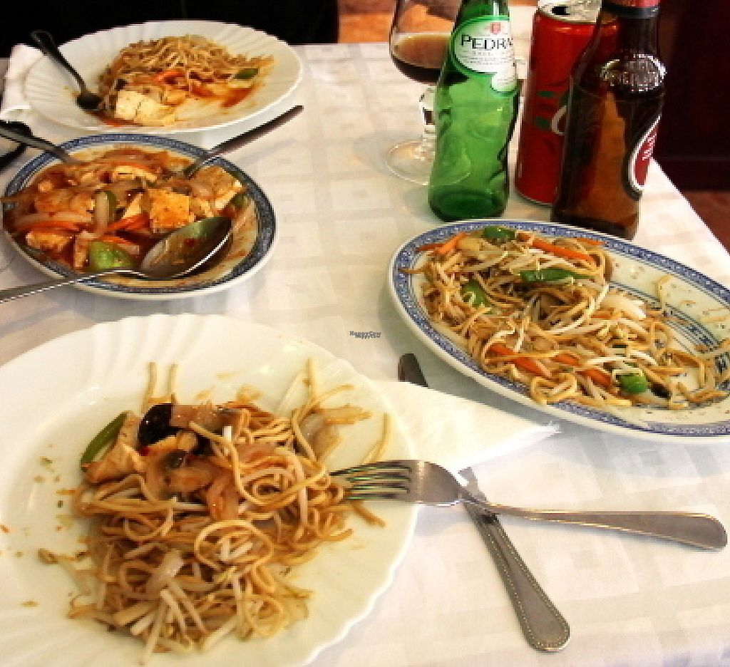 """Photo of Li & Liu Mei Si Cheng  by <a href=""""/members/profile/reissausta%20ja%20ruokaa"""">reissausta ja ruokaa</a> <br/>Fried noodles with vegetables and tofu sauce.  <br/> August 3, 2016  - <a href='/contact/abuse/image/77541/242844'>Report</a>"""
