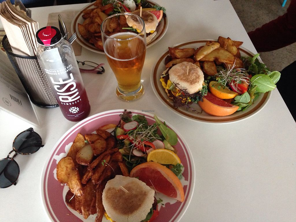 """Photo of Cafe Frida  by <a href=""""/members/profile/doitforthemermaids"""">doitforthemermaids</a> <br/>Plats du moment <br/> October 11, 2017  - <a href='/contact/abuse/image/77558/314352'>Report</a>"""