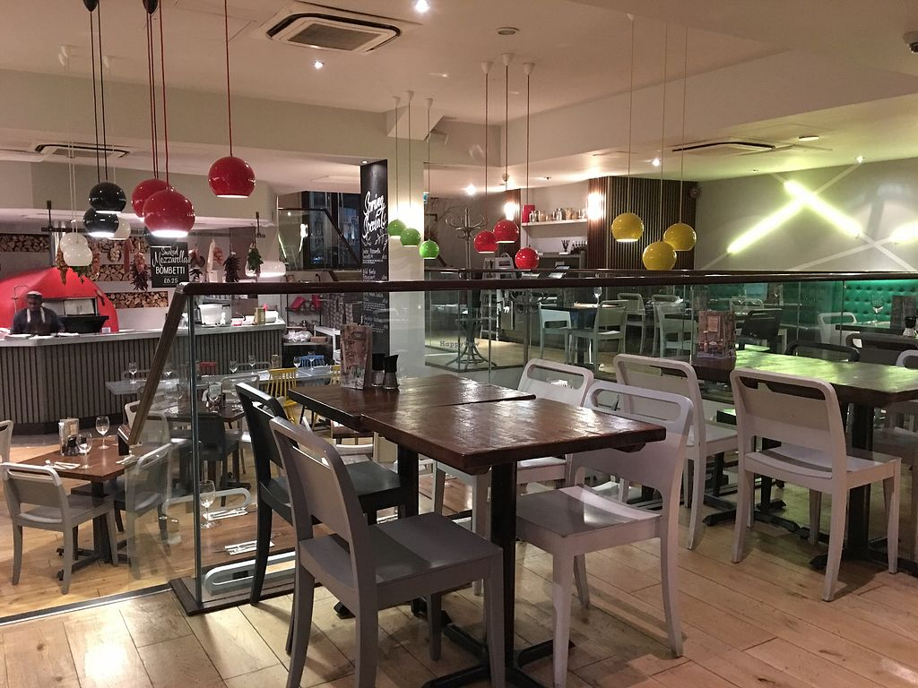 """Photo of Zizzi - Leopold Square  by <a href=""""/members/profile/hack_man"""">hack_man</a> <br/>Interior  <br/> March 24, 2018  - <a href='/contact/abuse/image/77569/375072'>Report</a>"""
