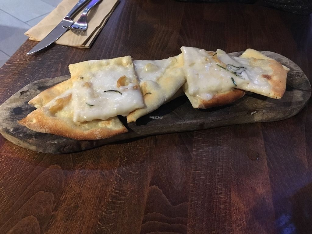 "Photo of Zizzi - Meadowhall  by <a href=""/members/profile/Libra77"">Libra77</a> <br/>Garlic bread with added vegan cheese <br/> August 30, 2016  - <a href='/contact/abuse/image/77570/172324'>Report</a>"