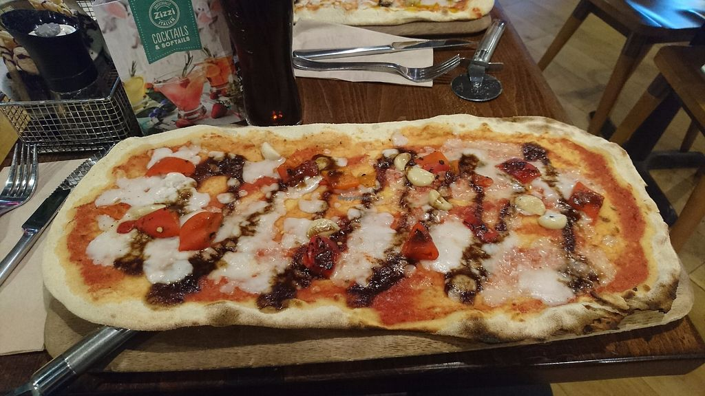 "Photo of Zizzi - Meadowhall  by <a href=""/members/profile/ChammyIRL"">ChammyIRL</a> <br/>My favourite pizza - balsamic onions, fire roasted red peppers and roasted garlic cloves on a Rustica base. Then drizzled with chilli oil <br/> October 10, 2017  - <a href='/contact/abuse/image/77570/313988'>Report</a>"