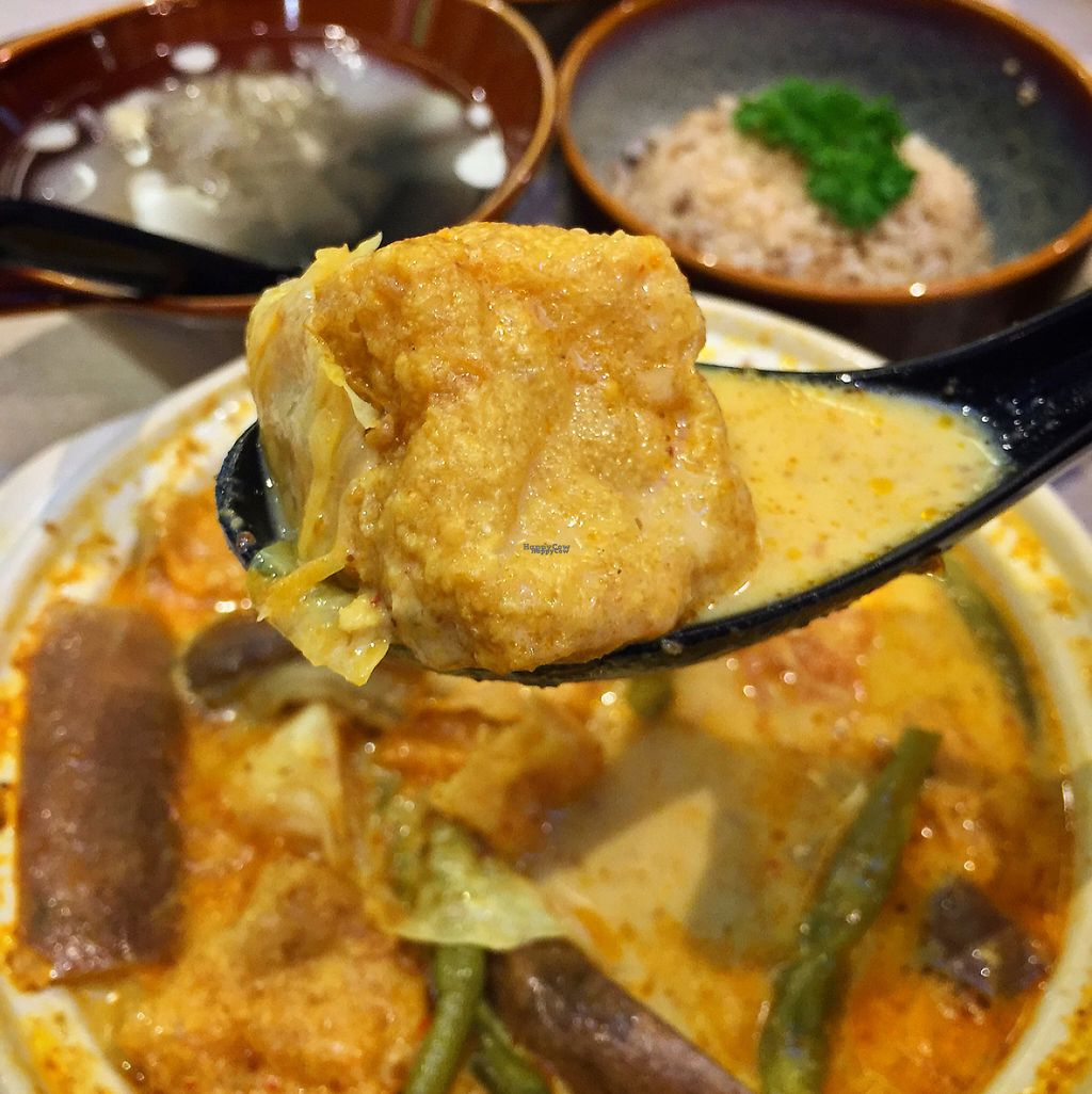 "Photo of BMS Organics - Mid Valley City  by <a href=""/members/profile/MyVeganJoy"">MyVeganJoy</a> <br/>amazing simply amazing curry claypot with rice <br/> January 31, 2017  - <a href='/contact/abuse/image/77637/220136'>Report</a>"
