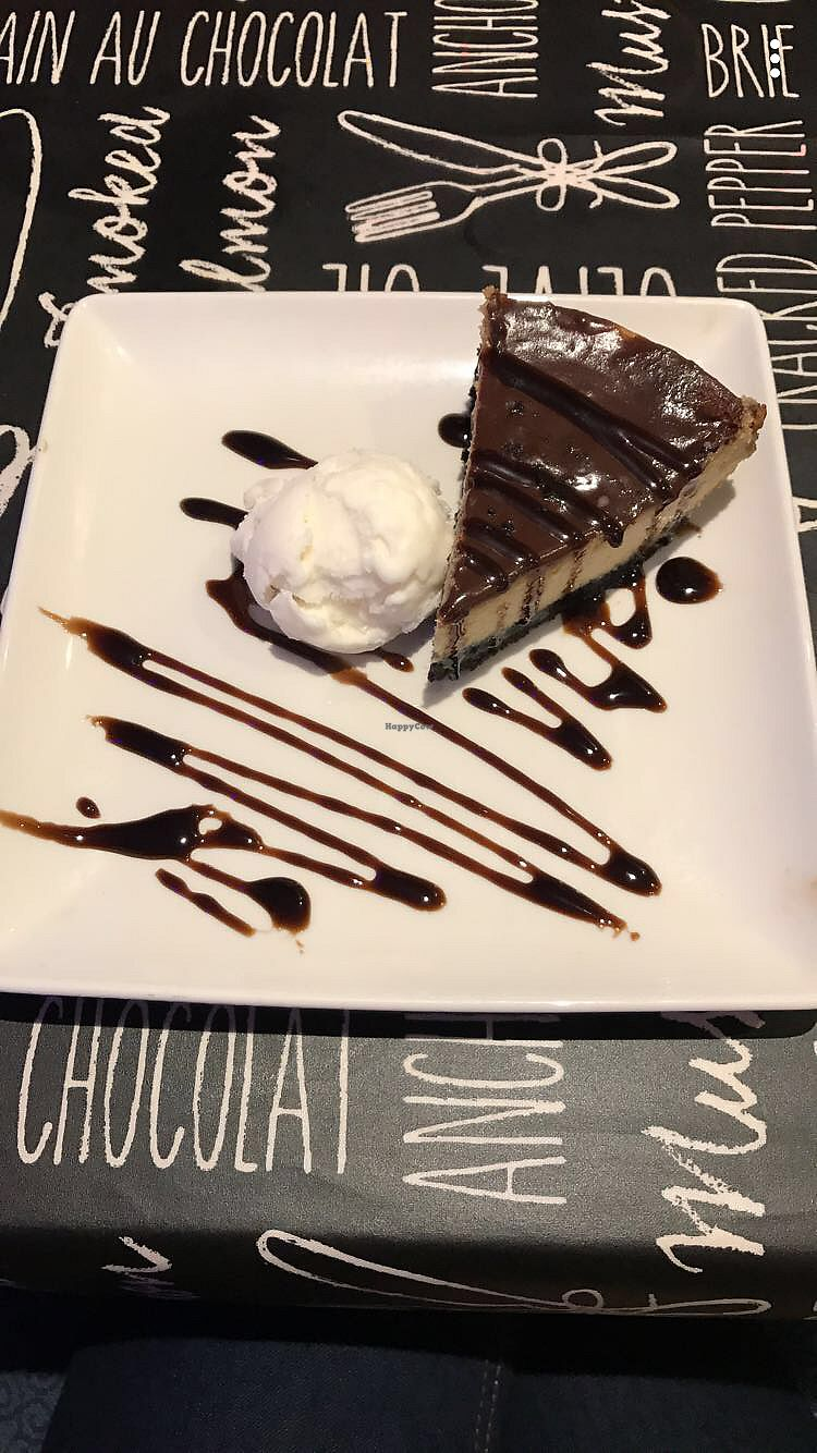 """Photo of La Rambla   by <a href=""""/members/profile/Smw_7x"""">Smw_7x</a> <br/>Oreo cheesecake with coconut ice cream  <br/> December 20, 2017  - <a href='/contact/abuse/image/77757/337425'>Report</a>"""