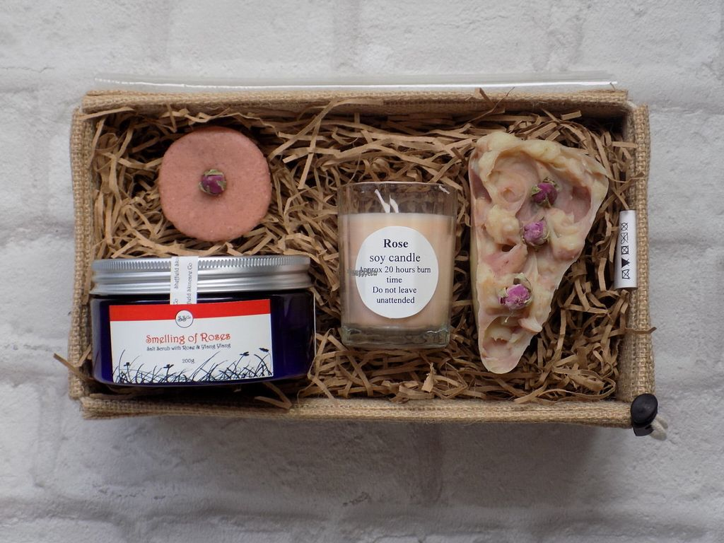 "Photo of Sheffield Skincare Company  by <a href=""/members/profile/Meaks"">Meaks</a> <br/>Vegan rose skincare set <br/> August 2, 2016  - <a href='/contact/abuse/image/77763/164728'>Report</a>"