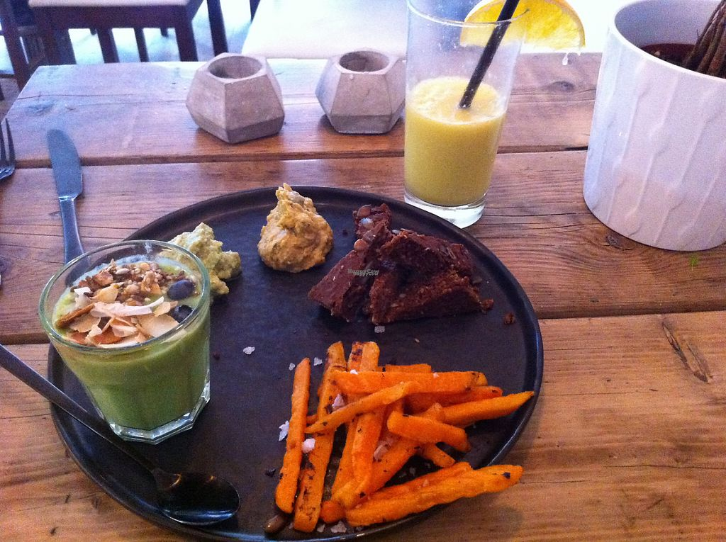 "Photo of Hope  by <a href=""/members/profile/piffelina"">piffelina</a> <br/>Brunch at hope - not very green, but very good <br/> December 22, 2016  - <a href='/contact/abuse/image/77877/204025'>Report</a>"