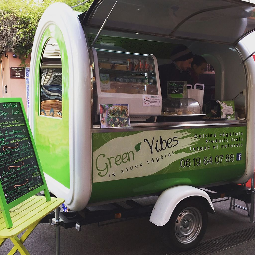 "Photo of Green Vibes Food Truck  by <a href=""/members/profile/Ranrounet"">Ranrounet</a> <br/>Green Vibes trailer <br/> November 14, 2016  - <a href='/contact/abuse/image/77906/190045'>Report</a>"