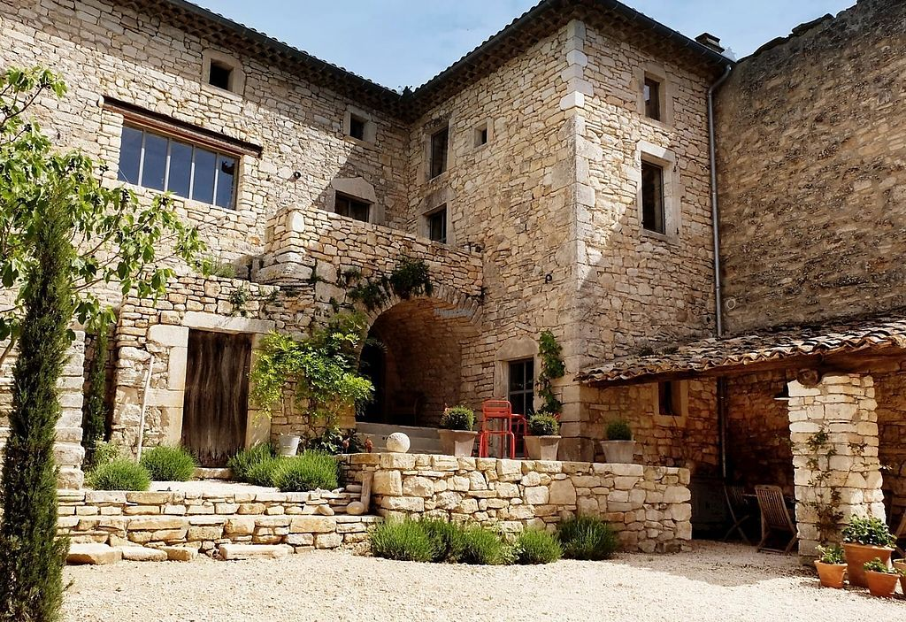 """Photo of La Maison Papillons  by <a href=""""/members/profile/community4"""">community4</a> <br/>La Maison Papillons  <br/> March 8, 2017  - <a href='/contact/abuse/image/77916/234215'>Report</a>"""