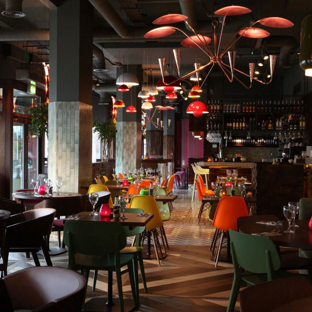 """Photo of Las Iguanas  by <a href=""""/members/profile/Meaks"""">Meaks</a> <br/>Interior <br/> August 3, 2016  - <a href='/contact/abuse/image/77920/165152'>Report</a>"""