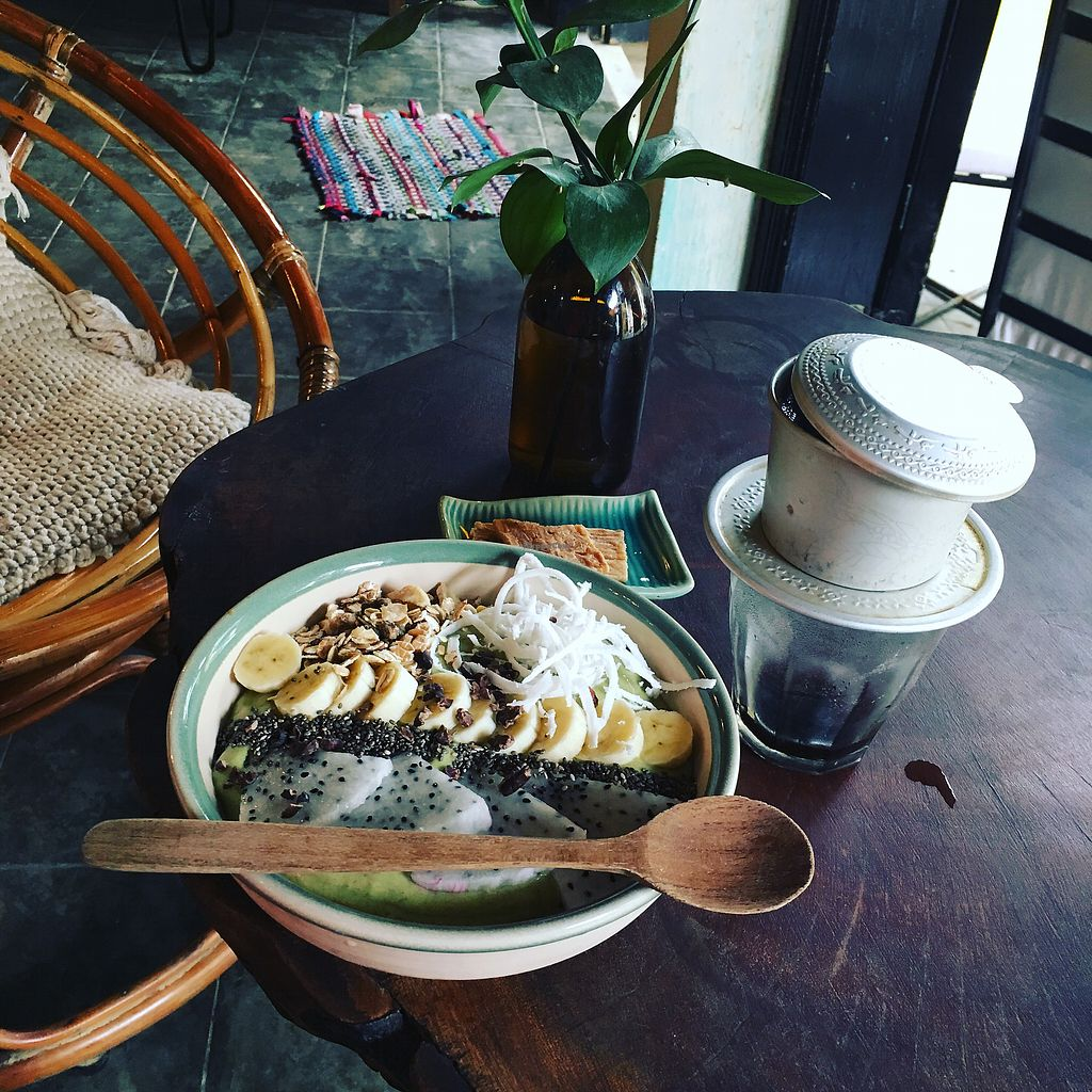 """Photo of Rosie's Cafe  by <a href=""""/members/profile/CarolineJoana"""">CarolineJoana</a> <br/>Green Goodness smoothie bowl <br/> January 24, 2018  - <a href='/contact/abuse/image/77938/350526'>Report</a>"""
