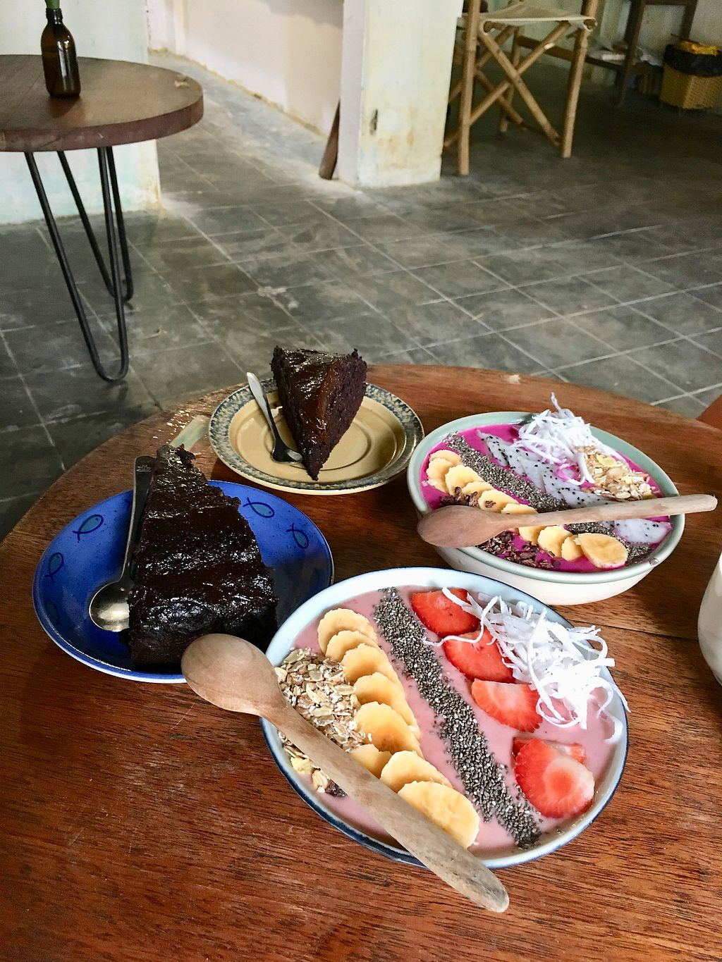"""Photo of Rosie's Cafe  by <a href=""""/members/profile/CamilaSilvaL"""">CamilaSilvaL</a> <br/>Chocolate cake and smoothie bowls  <br/> January 27, 2018  - <a href='/contact/abuse/image/77938/351442'>Report</a>"""