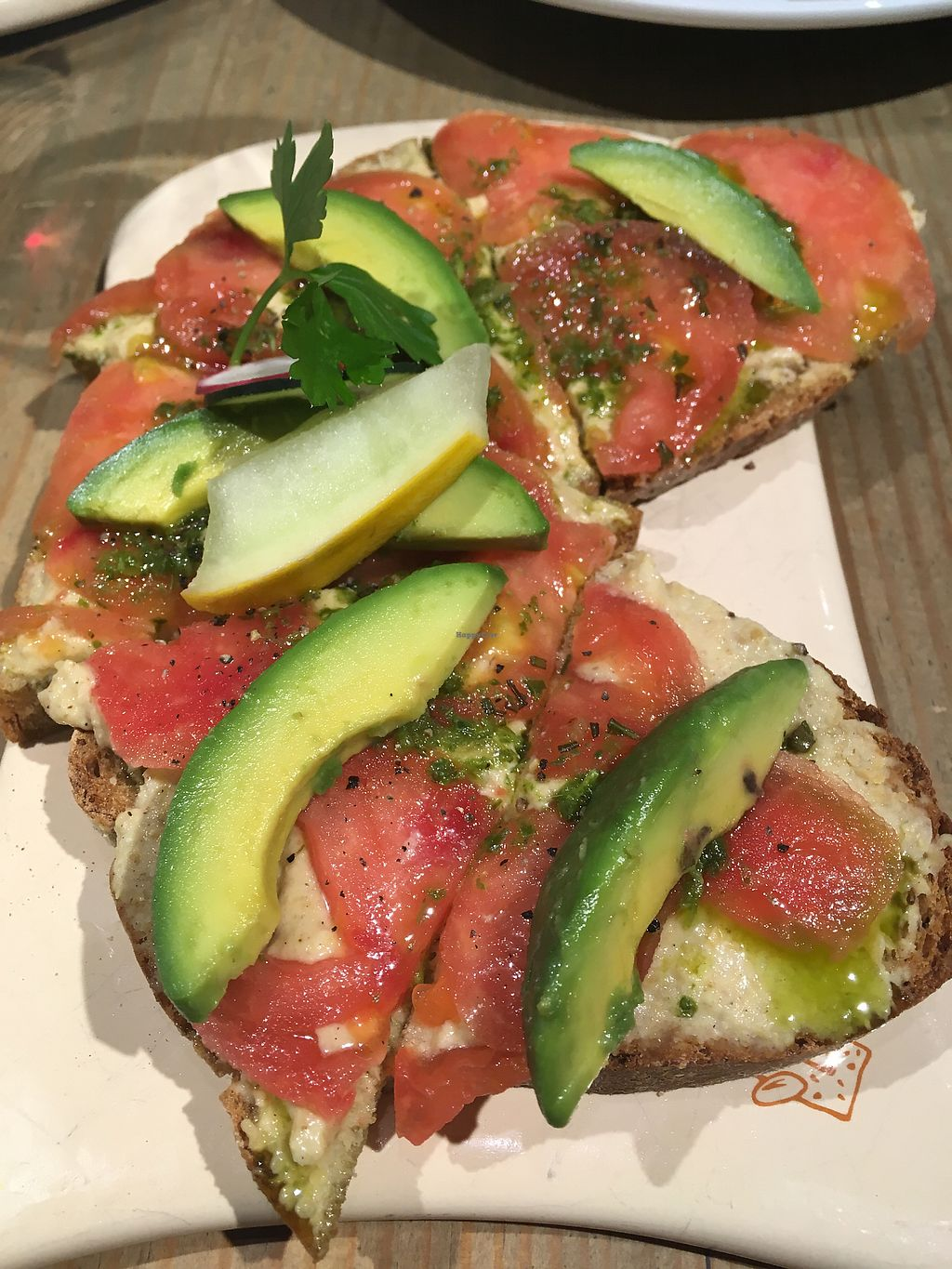 "Photo of Le Pain Quotidien - Posadas  by <a href=""/members/profile/milos99"">milos99</a> <br/>Avocado tomato and hummus toast <br/> November 5, 2017  - <a href='/contact/abuse/image/78017/322355'>Report</a>"