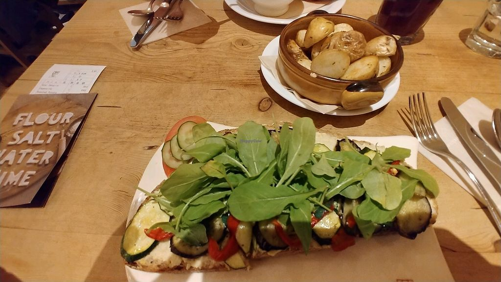 """Photo of Le Pain Quotidien - Opera City  by <a href=""""/members/profile/BananaCrime0731"""">BananaCrime0731</a> <br/>Toasted hummus bread and roasted potatoes <br/> December 30, 2017  - <a href='/contact/abuse/image/78025/341096'>Report</a>"""