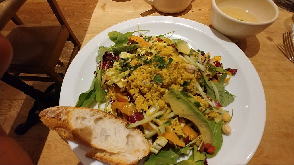 """Photo of Le Pain Quotidien - Opera City  by <a href=""""/members/profile/BananaCrime0731"""">BananaCrime0731</a> <br/>huge salad <br/> December 30, 2017  - <a href='/contact/abuse/image/78025/341097'>Report</a>"""
