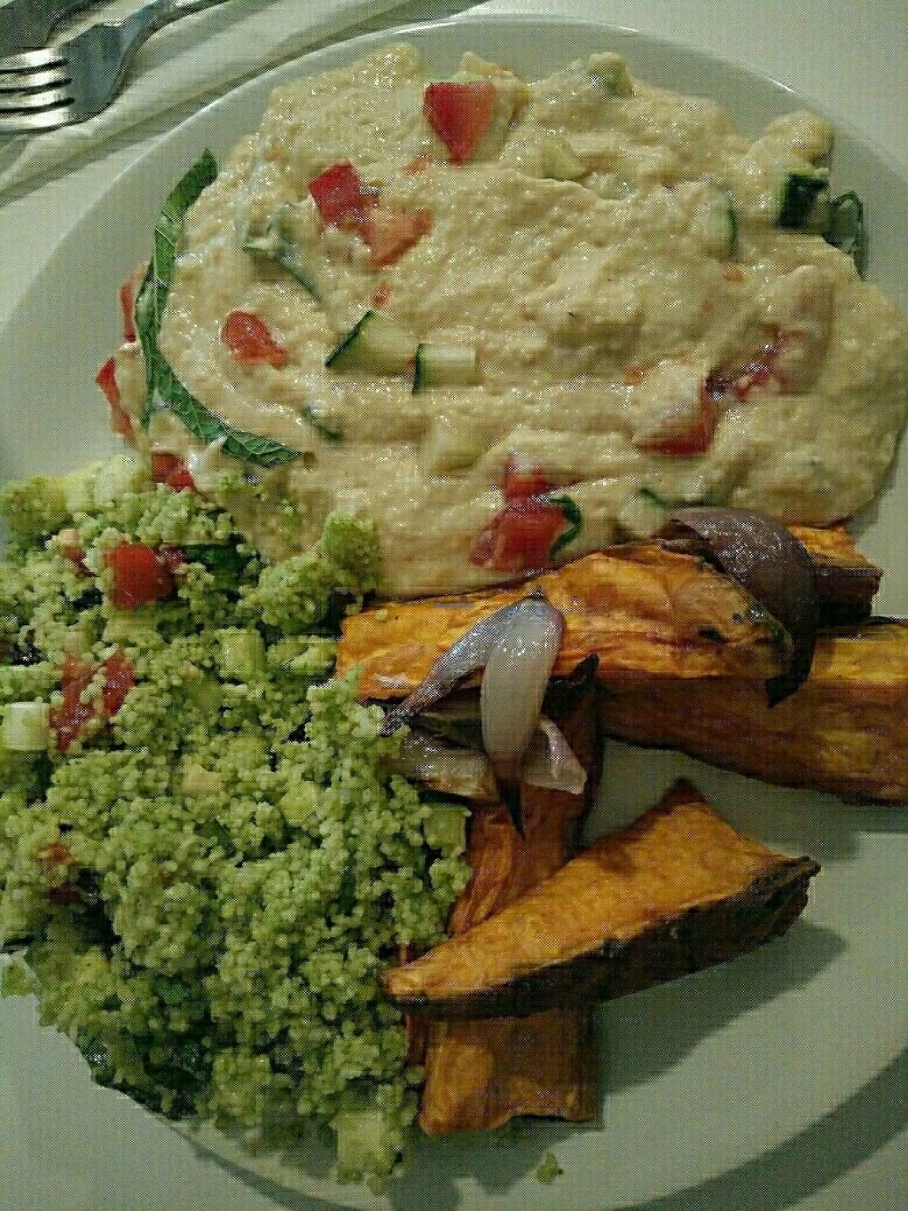 """Photo of BaniBanoo  by <a href=""""/members/profile/martinicontomate"""">martinicontomate</a> <br/>hummus, quinoa and sweet potatoes <br/> May 20, 2017  - <a href='/contact/abuse/image/78087/260587'>Report</a>"""