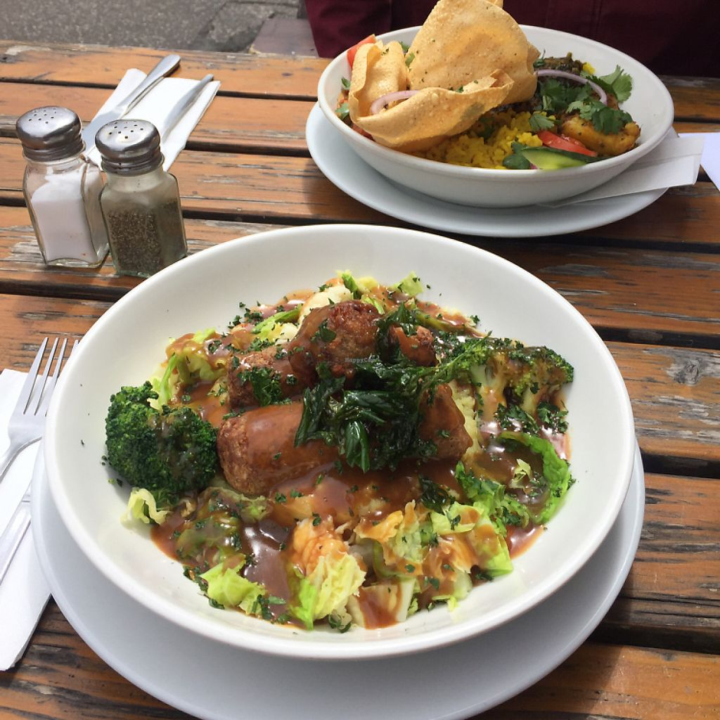 """Photo of Coopers Cask  by <a href=""""/members/profile/quovixi"""">quovixi</a> <br/>Sausage, mash & veg. Curry in the background <br/> May 8, 2017  - <a href='/contact/abuse/image/78097/257202'>Report</a>"""