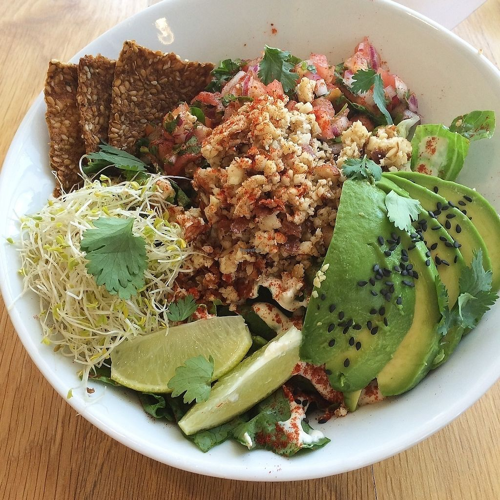 """Photo of Living Kitchen  by <a href=""""/members/profile/The%20Vegan%20Chemist"""">The Vegan Chemist</a> <br/>raw taco salad  <br/> July 10, 2017  - <a href='/contact/abuse/image/78100/278767'>Report</a>"""
