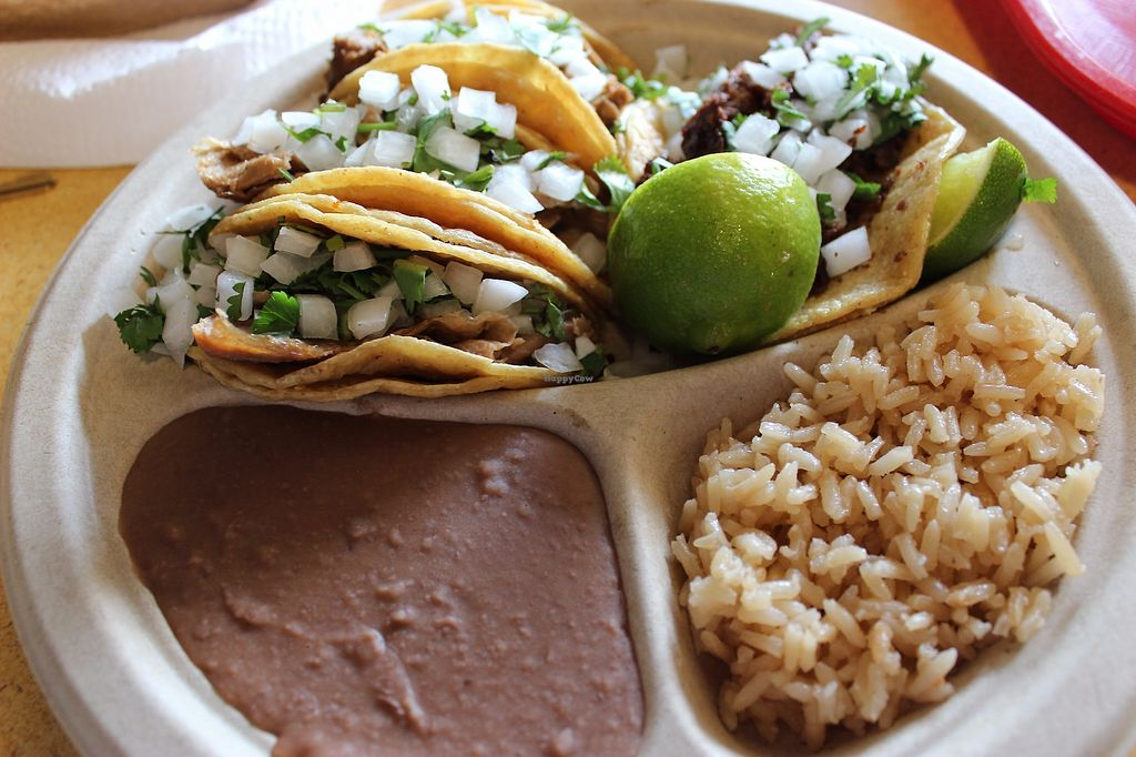 "Photo of El Palote Panaderia  by <a href=""/members/profile/veggie_htx"">veggie_htx</a> <br/>Taco plate <br/> September 25, 2017  - <a href='/contact/abuse/image/78138/308030'>Report</a>"