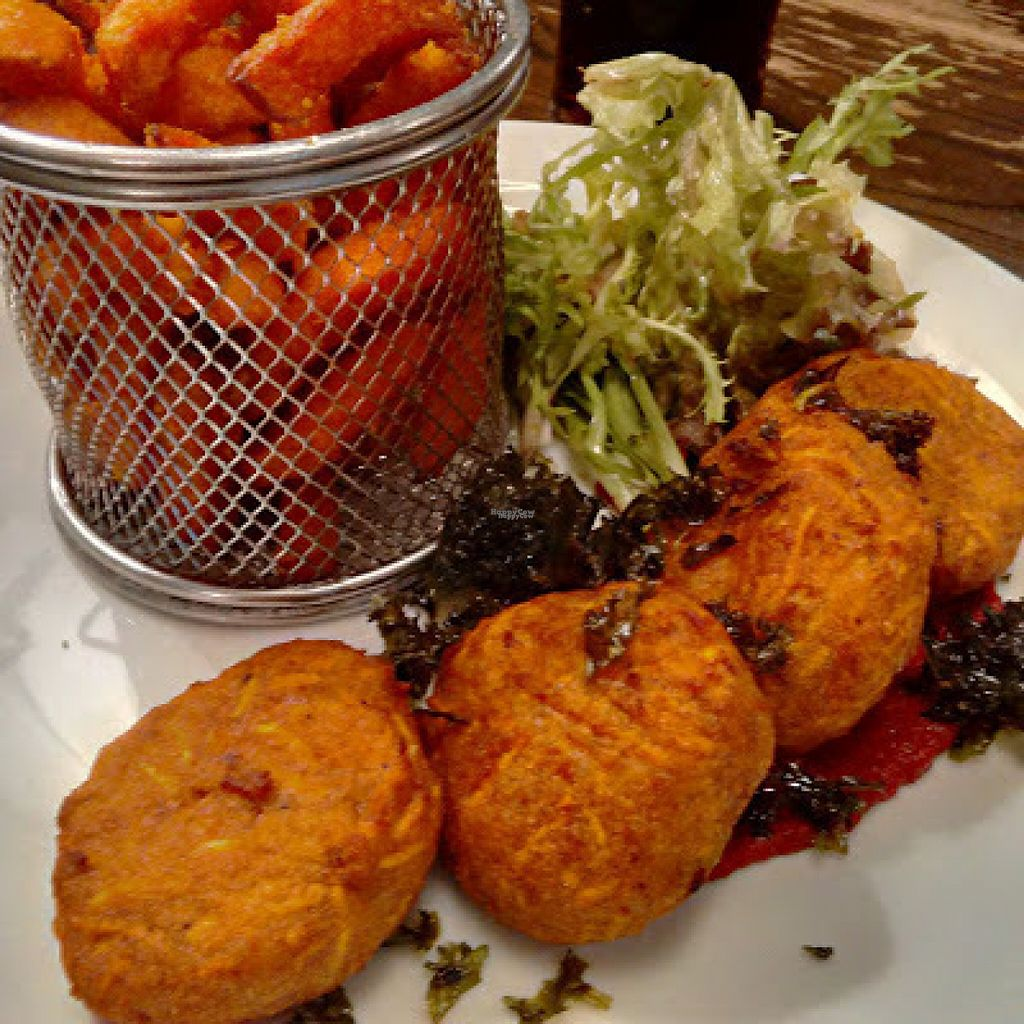 "Photo of The Borough Pub  by <a href=""/members/profile/Veganolive1"">Veganolive1</a> <br/>Carrot and Cumin Falafels <br/> August 13, 2016  - <a href='/contact/abuse/image/78152/168094'>Report</a>"
