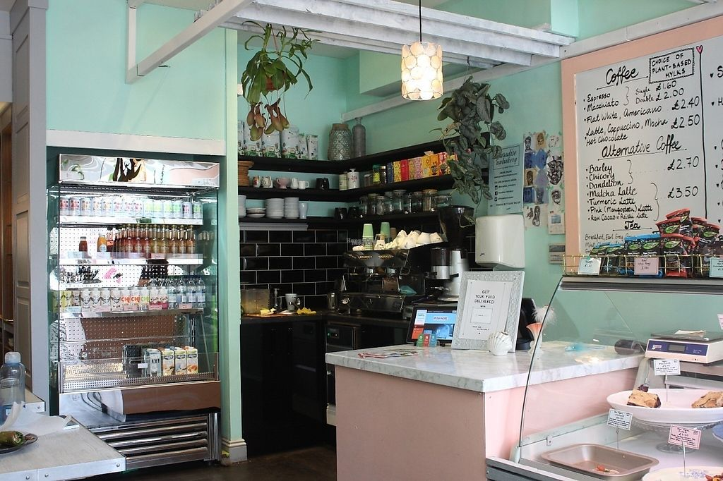 """Photo of Paradise Unbakery  by <a href=""""/members/profile/charclothier"""">charclothier</a> <br/>inside the cafe <br/> April 16, 2017  - <a href='/contact/abuse/image/78199/248856'>Report</a>"""