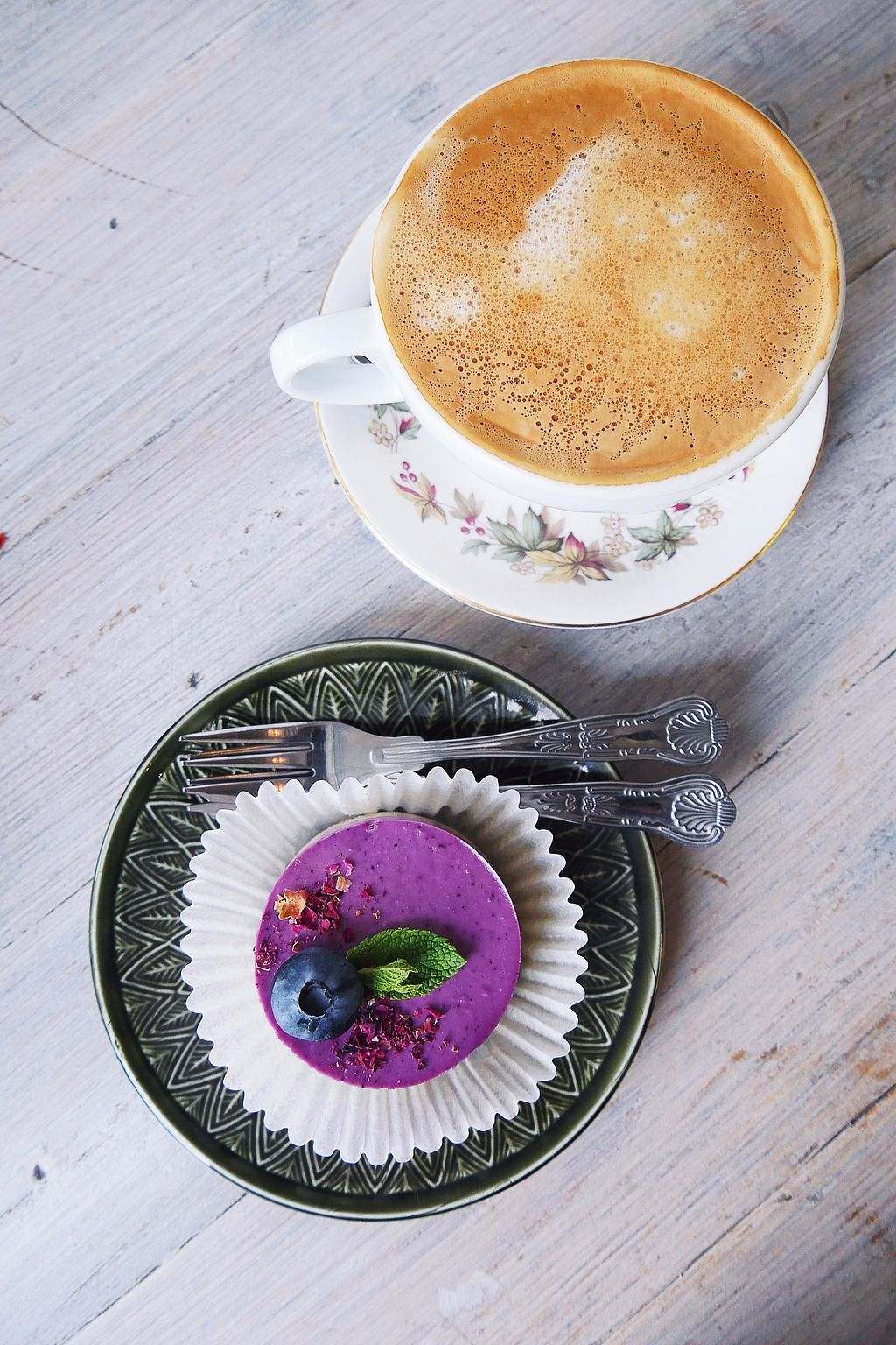 """Photo of Paradise Unbakery  by <a href=""""/members/profile/YukiLim"""">YukiLim</a> <br/>Raw blueberry cake with an oat flat white <br/> September 21, 2017  - <a href='/contact/abuse/image/78199/306663'>Report</a>"""