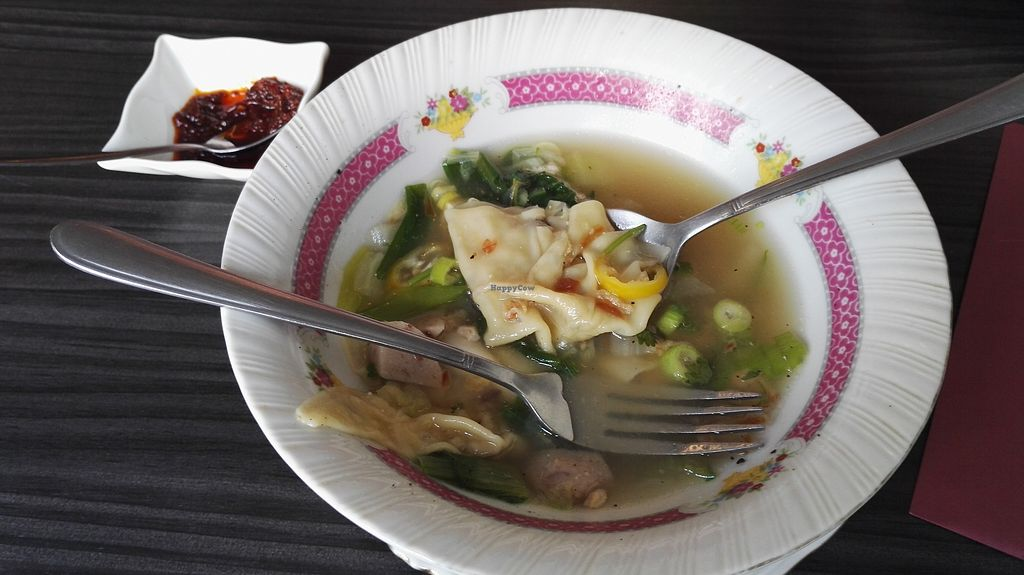 """Photo of CLOSED: Amy's & Ta  by <a href=""""/members/profile/Roor"""">Roor</a> <br/>Veganistische wonton soep <br/> August 7, 2017  - <a href='/contact/abuse/image/78246/290179'>Report</a>"""