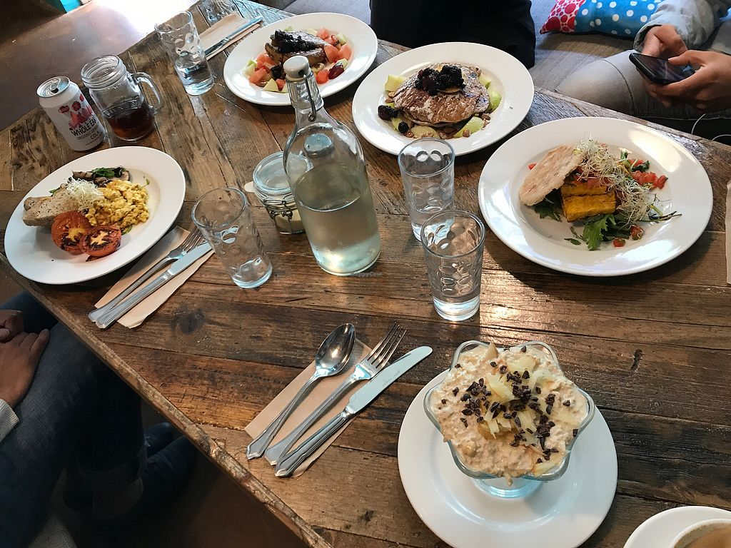 """Photo of Peckish Cafe  by <a href=""""/members/profile/LaszloPilz"""">LaszloPilz</a> <br/>Sehr gutes Essen  <br/> August 6, 2017  - <a href='/contact/abuse/image/78253/289622'>Report</a>"""