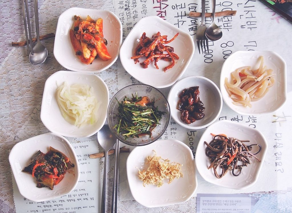 """Photo of Jayeonneuro  by <a href=""""/members/profile/evybak"""">evybak</a> <br/>The side dishes (Banchan) in Jayeonneuro change often, depending on new fresh ingredients and the season. Everything's delicious! <br/> May 21, 2017  - <a href='/contact/abuse/image/78269/260799'>Report</a>"""