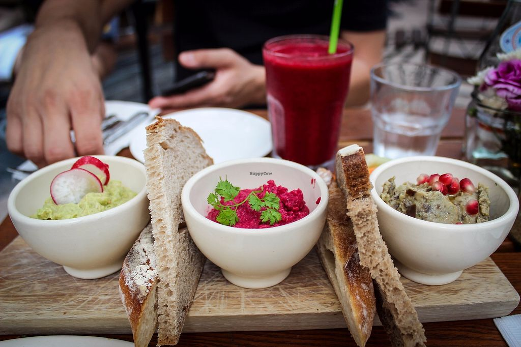 """Photo of Le Pain Quotidien - The Avenue  by <a href=""""/members/profile/SueClesh"""">SueClesh</a> <br/> October 30, 2017  - <a href='/contact/abuse/image/78274/320000'>Report</a>"""