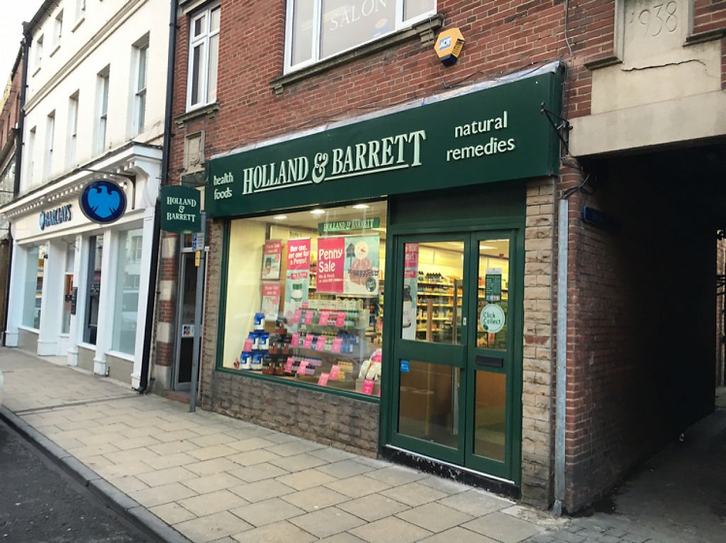 "Photo of Holland and Barrett  by <a href=""/members/profile/hack_man"">hack_man</a> <br/>outside  <br/> January 9, 2017  - <a href='/contact/abuse/image/78423/210040'>Report</a>"