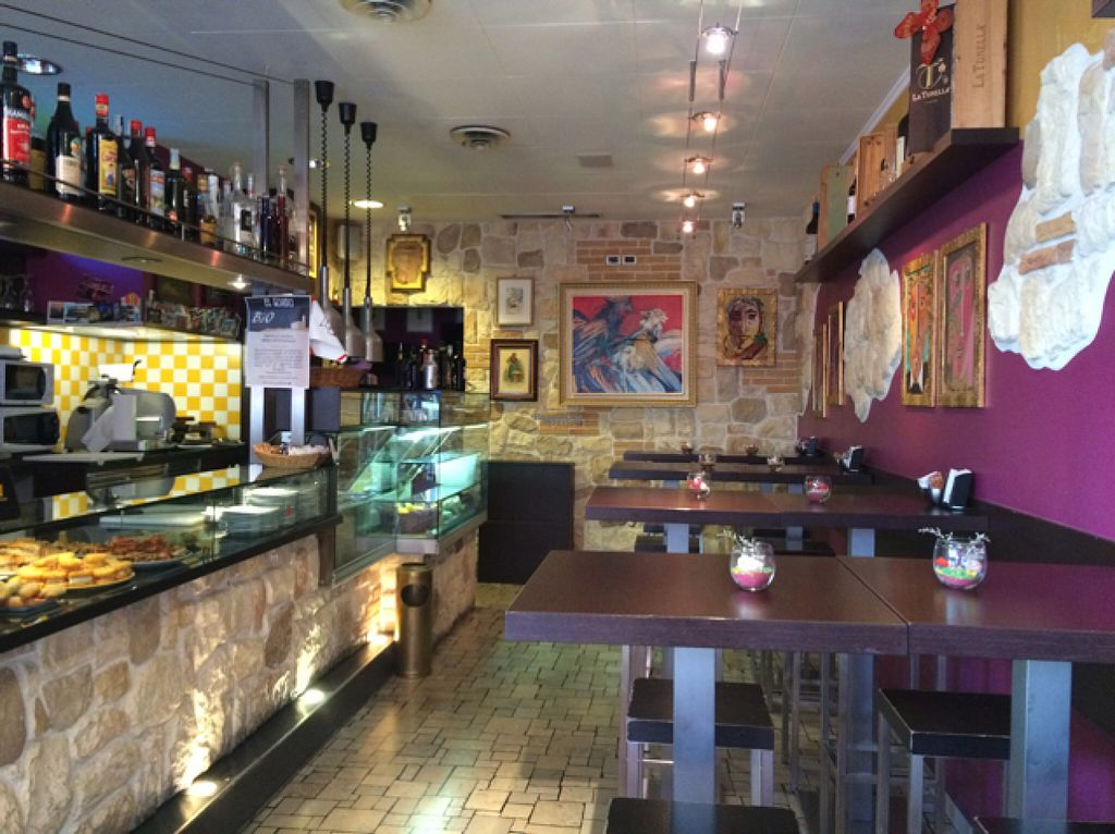 "Photo of El Gordo Bar  by <a href=""/members/profile/amn060708"">amn060708</a> <br/>El Gordo <br/> August 13, 2016  - <a href='/contact/abuse/image/78531/168102'>Report</a>"